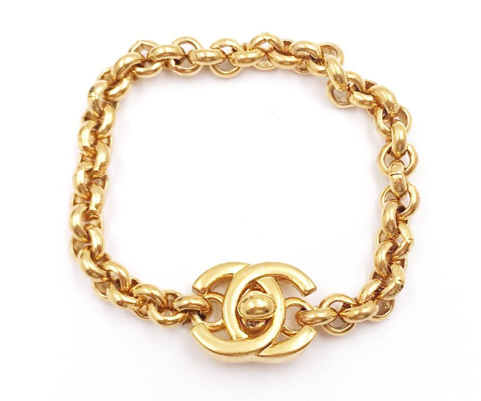 1674169dfd1b Chanel Chanel Vintage Gold Plated Turnlock CC Chain Bracelet Image 0 ...