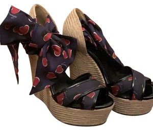 Gucci Hearts Navy and Red Wedges