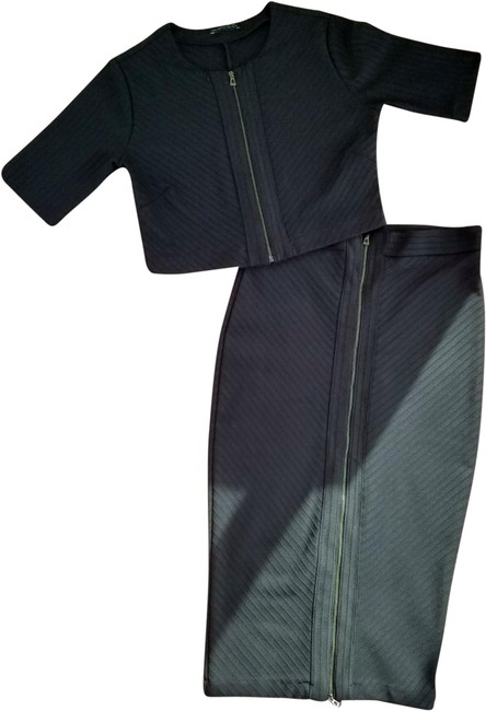 Item - Black Crop Top and Two-way Zipper Skirt Suit Size 12 (L)