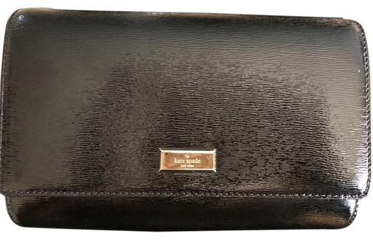 Preload https://img-static.tradesy.com/item/24850372/kate-spade-bixby-place-black-see-material-label-picture-provided-cross-body-bag-0-1-540-540.jpg