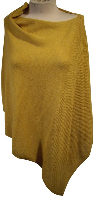 Item - Gold Asymmetric Mixed Knit Wool Poncho/Cape Size 6 (S)