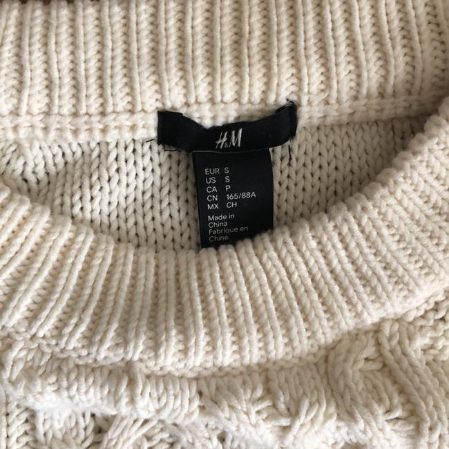 H&M Sweater Image 2