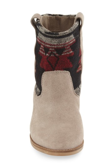 TOMS Boots Image 2