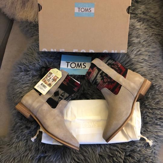 TOMS Boots Image 5