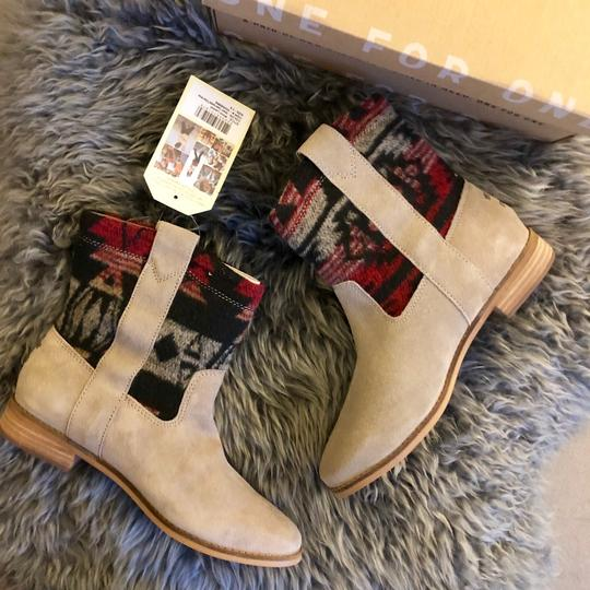 TOMS Boots Image 8