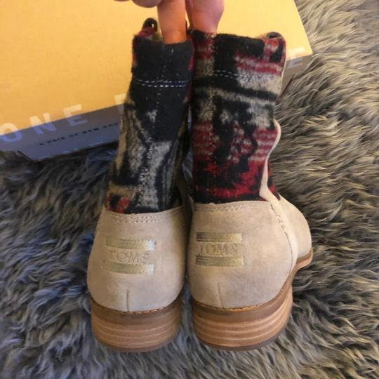 TOMS Boots Image 9