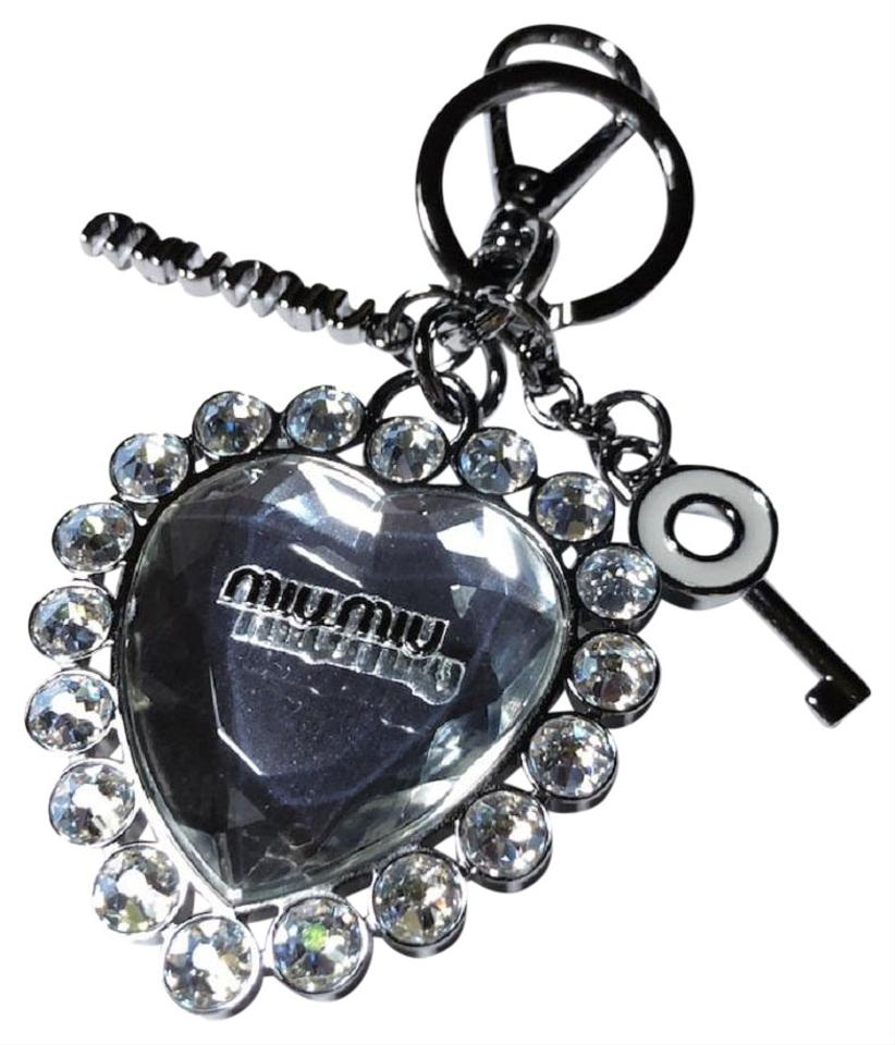 3ba47e7e3da6 Miu Miu Gray Metallo Ghiaccio Crystal Clear Heart Charm Key Chain 5tm093