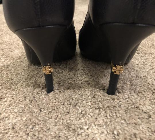 Tory Burch Leather Dark Navy Pumps Image 1