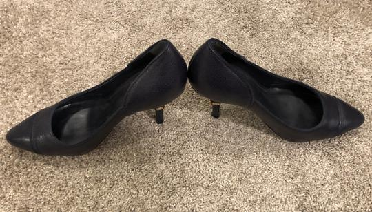 Tory Burch Leather Dark Navy Pumps Image 2