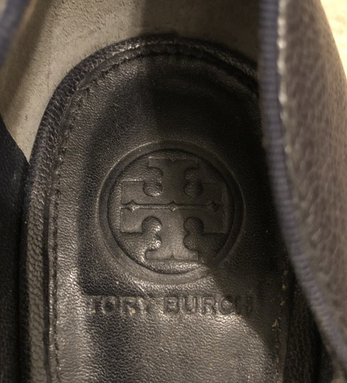 Tory Burch Leather Dark Navy Pumps Image 4