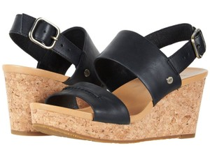 08d9404c875 Women's Black UGG Australia Shoes - Up to 90% off at Tradesy