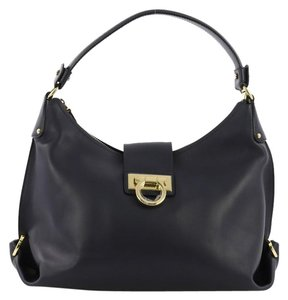 Salvatore Ferragamo Bags - Up to 90% off at Tradesy d13d9cc12e132