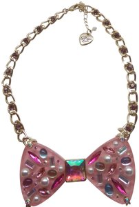 Betsey Johnson Betsey Johnson New Pink Lucite Bow Necklace