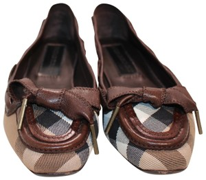 Burberry Vintage Rare Exclusive Burberry House Check Chocolate Flats
