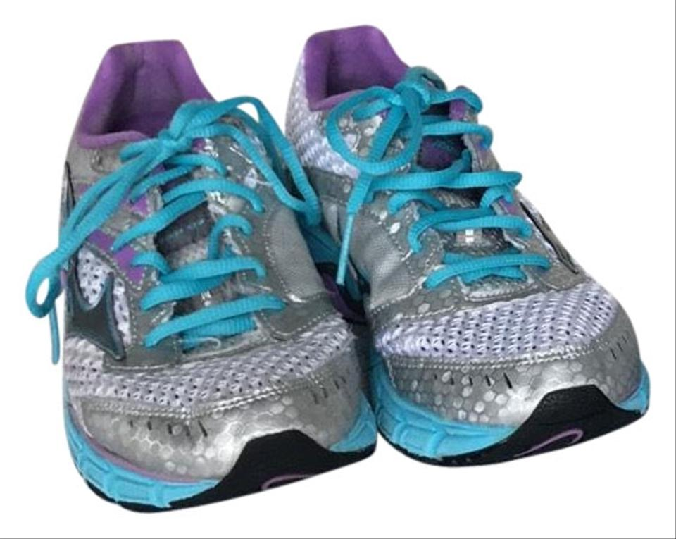 the latest a49a6 5b449 Mizuno Multicolor 2 Pairs Of Women's Wave Inspire 9's Sneakers Size US 6.5  Regular (M, B)