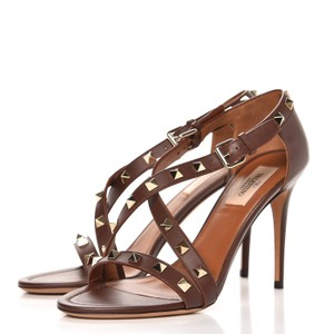 Valentino Studded Ankle Strap Branded Insole Leather Round Toe Brown Pumps
