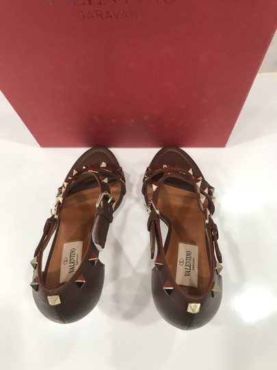 Valentino Studded Ankle Strap Branded Insole Leather Round Toe Brown Pumps Image 7