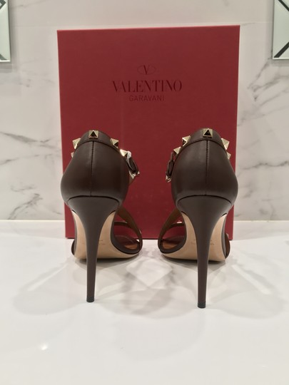 Valentino Studded Ankle Strap Branded Insole Leather Round Toe Brown Pumps Image 8