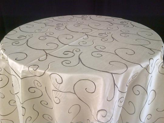 Champagne 15 Embroidered Tablecloth Image 2