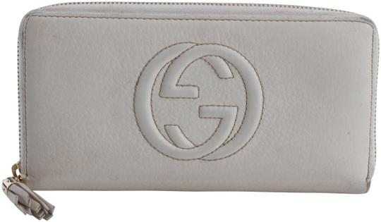 Preload https://img-static.tradesy.com/item/24859279/gucci-white-soho-leather-long-wallet-0-1-540-540.jpg