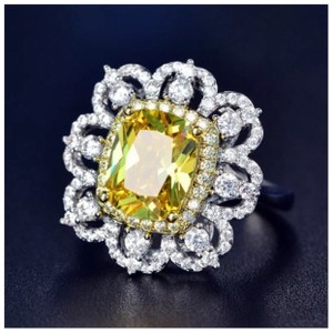 ME Boutiques Private Label Collection Swarovski Crystals The Oneida Ring S5