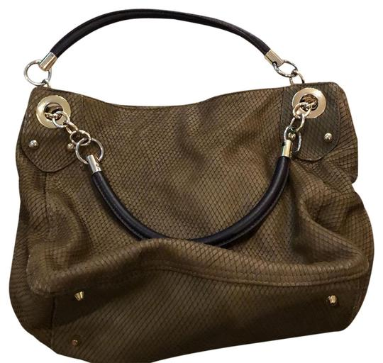 Preload https://img-static.tradesy.com/item/24859487/cynthia-rowley-with-scale-details-brown-leather-shoulder-bag-0-1-540-540.jpg