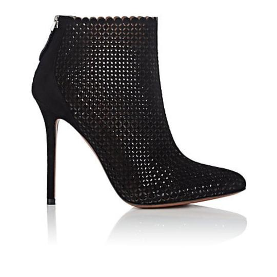 Preload https://img-static.tradesy.com/item/24859609/alaia-black-laser-cut-suede-bootsbooties-size-eu-375-approx-us-75-regular-m-b-0-0-540-540.jpg