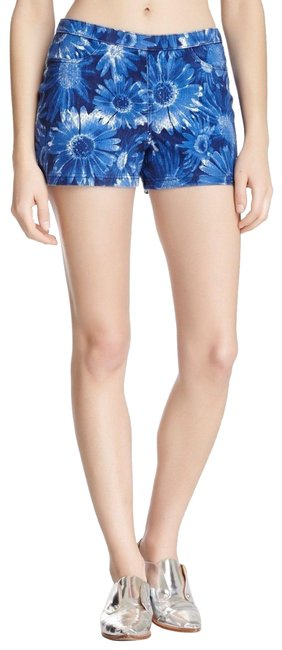 Preload https://img-static.tradesy.com/item/24859651/hue-blue-floral-stretch-shorts-size-4-s-27-0-1-650-650.jpg