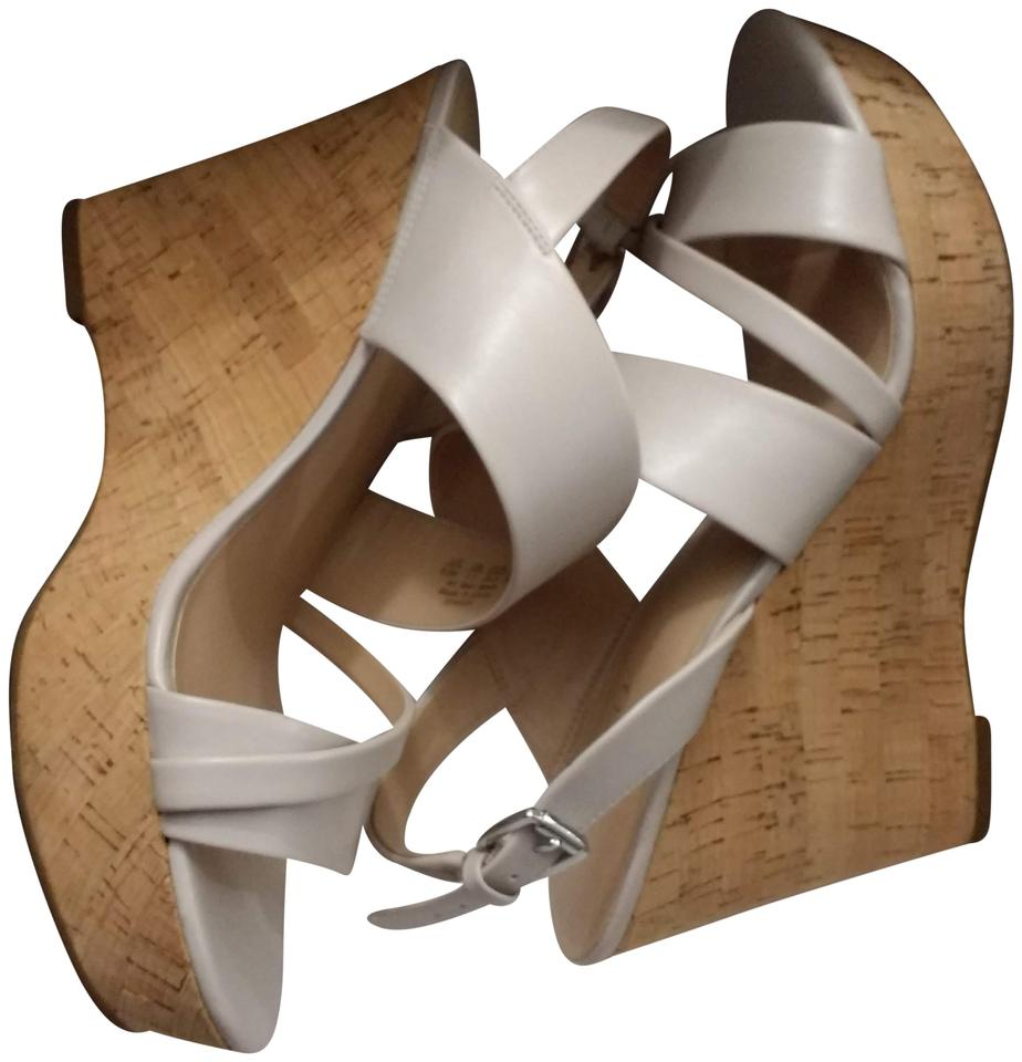a7ed33605e41 Franco Sarto Wedge Slingback Strap Used Adjustable Buckle Ivory Sandals  Image 0 ...