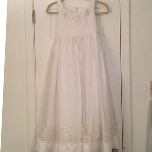 Mary's Bridal Youth White Polyester and Tulle Girl Flower Formal Bridesmaid/Mob Dress Size 8 (M)