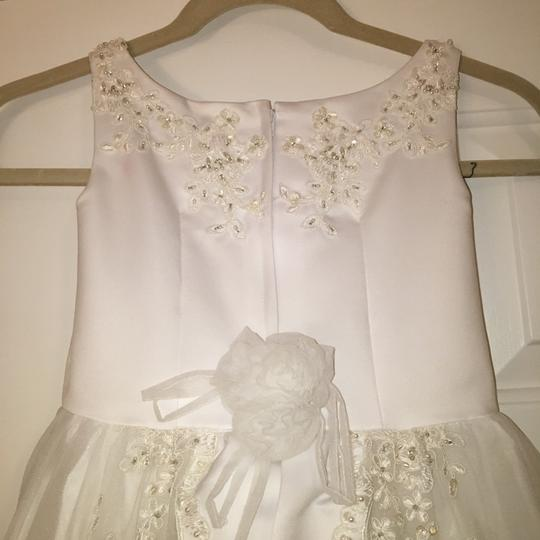 Mary's Bridal Youth White Polyester and Tulle Girl Flower Formal Bridesmaid/Mob Dress Size 8 (M) Image 6