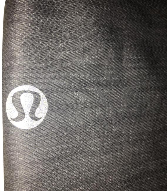 Preload https://img-static.tradesy.com/item/24859877/lululemon-2-tone-gray-crop-pant-wskirt-activewear-bottoms-size-4-s-0-1-650-650.jpg