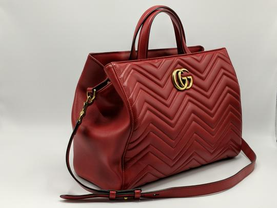 Gucci Dionysus Gg Supreme Matelasse Marmont Tote in Red Image 2