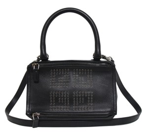 Givenchy Crossbody Bags - Up to 70% off at Tradesy 0f05e59c4b501