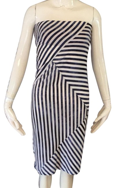 Item - Blue and Cream Bcbg Mid-length Night Out Dress Size 00 (XXS)