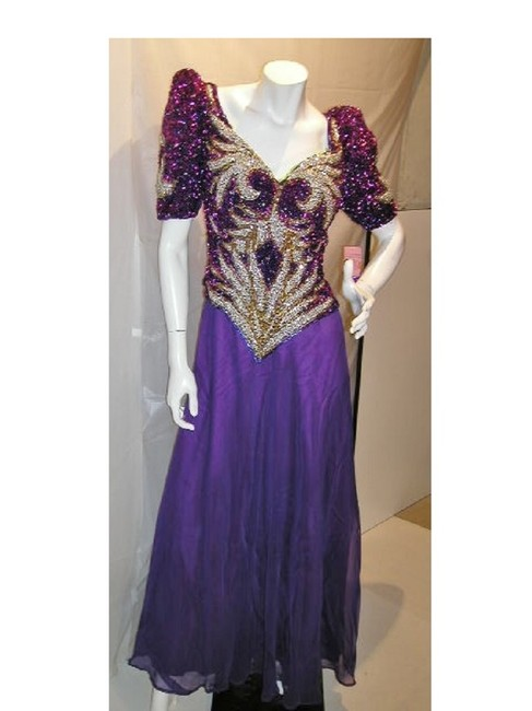 Item - Purple/Gold W Royal V-neckline with Queen Anne Mid-sleeve W/Flare Chiffon Bottom Long Formal Dress Size 16 (XL, Plus 0x)
