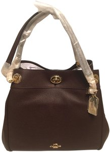 Coach Edie Shoulder Bags - Up to 70% off at Tradesy e6c4c331ffd82