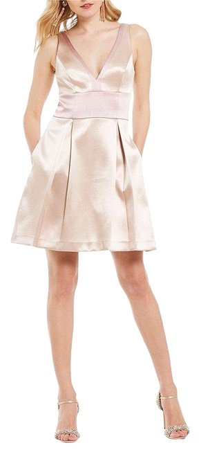 Item - Champagne Rose Gold Low Cut Fit and Flare Short Night Out Dress Size 4 (S)