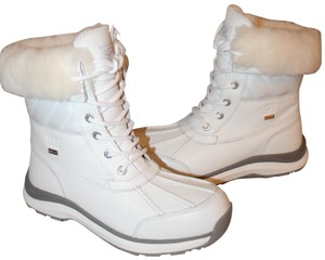 f28a2daff9e White UGG Australia Boots & Booties - Up to 90% off at Tradesy