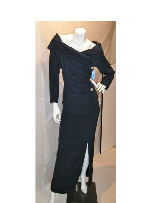 Item - Navy W Sleeve Protrait V-neckline with Front To Pleats W/Side Split Long Night Out Dress Size 18 (XL, Plus 0x)