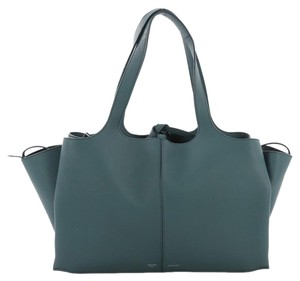Céline Shoulder Bags - Up to 70% off at Tradesy 111bad4b63e92