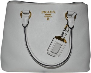 Prada Bags on Sale - Up to 70% off at Tradesy 90f30bdc7e