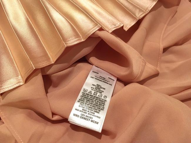 Item - Rose Gold Satin Shineey Bow Pleated Midi 2018 New Mid-length Night Out Dress Size 10 (M)