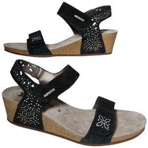 71339d3ebfa Mephisto Sandals - Up to 90% off at Tradesy