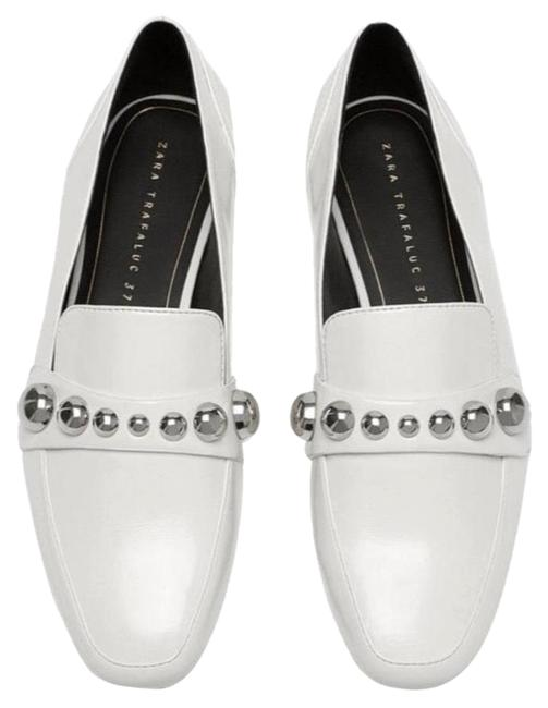 Item - White New Moccasin with Detailed Vamp Flats Size US 8 Regular (M, B)