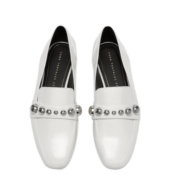 Item - White New Moccasin with Detailed Vamp Flats Size US 9 Regular (M, B)