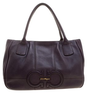 Salvatore Ferragamo Handbags - Up to 70% off at Tradesy ec34fd2c62c4f