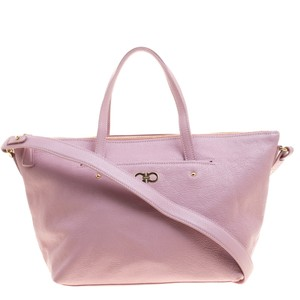 Pink Salvatore Ferragamo Bags - Up to 90% off at Tradesy a5905cb173