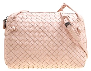 56b5ebc5f7a3 Bottega Veneta Bags on Sale - Up to 70% off at Tradesy