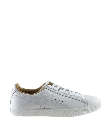 competitive price 4d099 e0a68 Puma White Women's Clyde Leather Sneakersx (166774) Flats Size US 9.5  Regular (M, B)